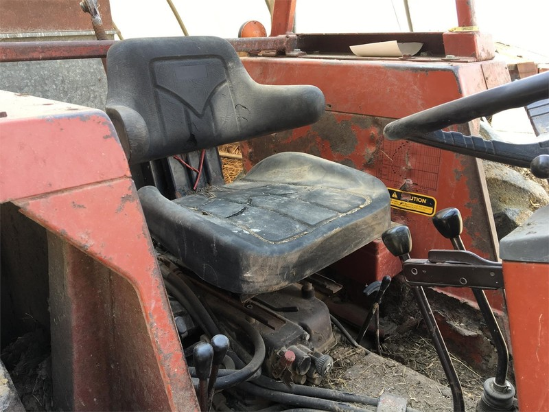 1984 Hesston 566 Tractor