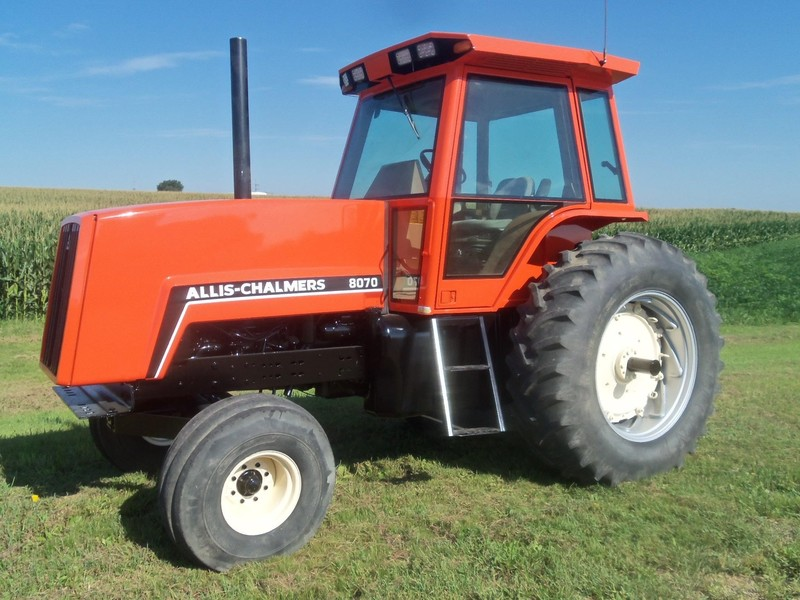 1983 Allis Chalmers 8070 Tractor