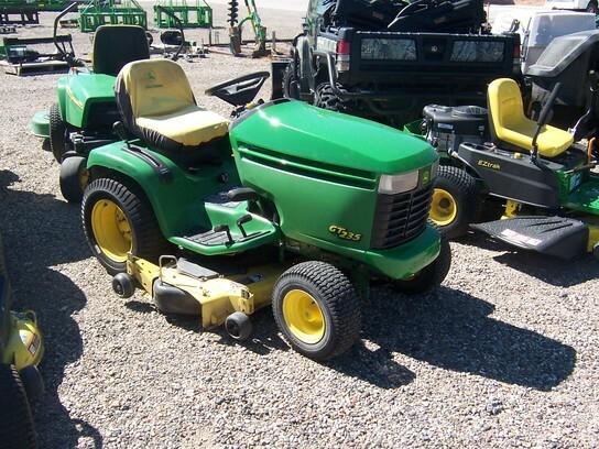 John Deere GT235 Lawn and Garden