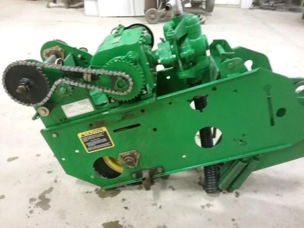 2008 John Deere Vari-Rate Fertilizer Pump (BA92817) Planter and Drill Attachment