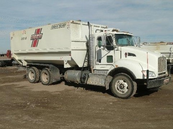 2016 Roto Mix 920-18 Grinders and Mixer