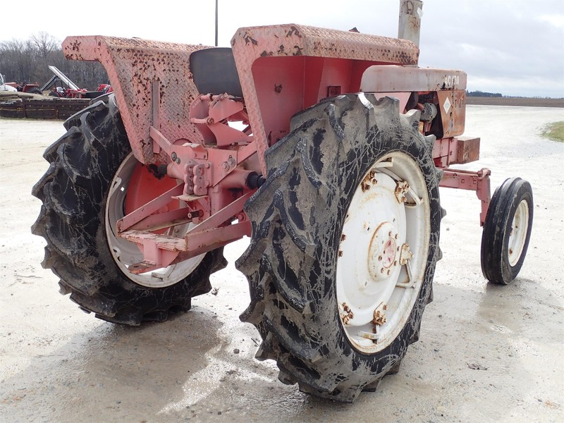 1969 Allis Chalmers 170 Tractor