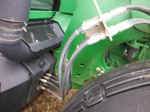 2008 John Deere 746 Front End Loader