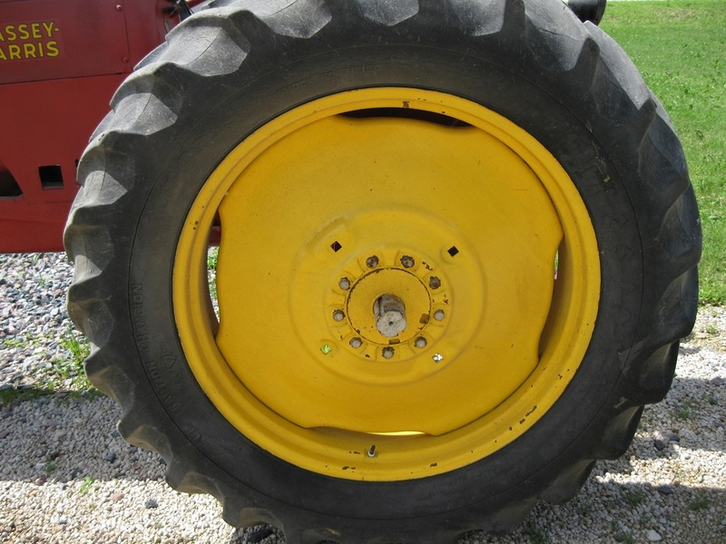 Massey-Harris 101 Senior Tractor