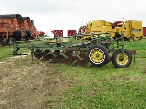 John Deere F1450 Plow