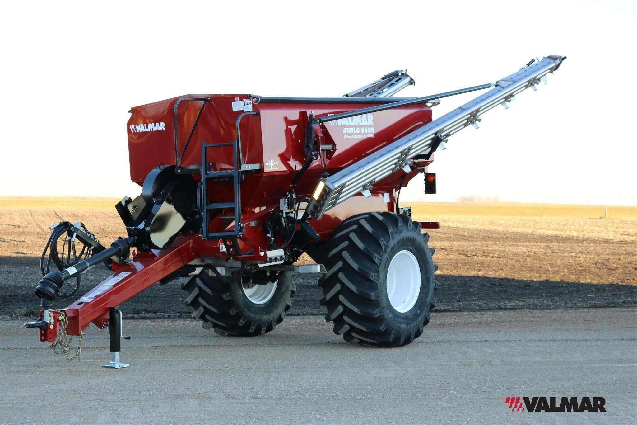 2020 Valmar Airflo 8600 Pull-Type Fertilizer Spreader