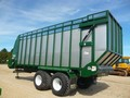 2017 Art's Way 8200 Forage Wagon