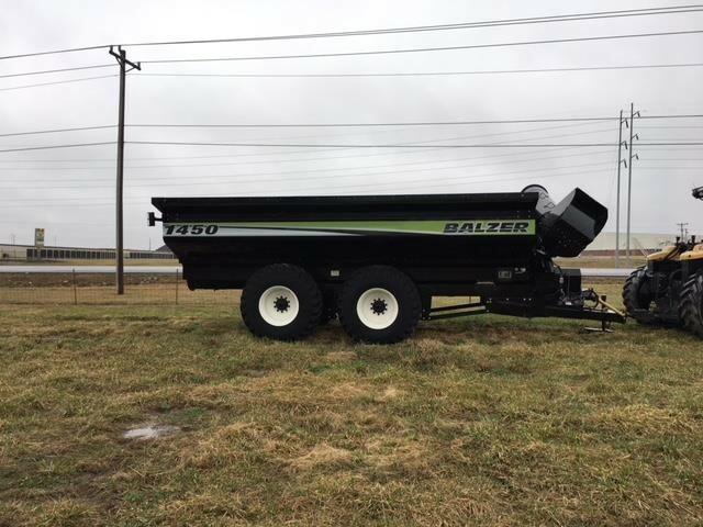 2016 Balzer 1450 Grain Cart