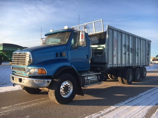 2006 Sterling LT9513 Semi Truck