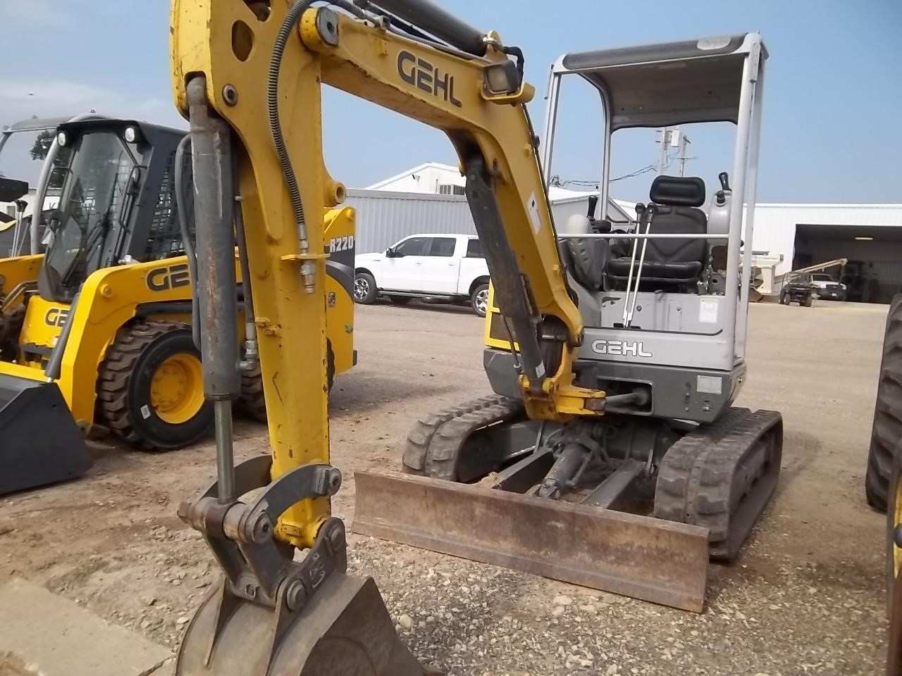 2009 Gehl 283Z Excavators and Mini Excavator