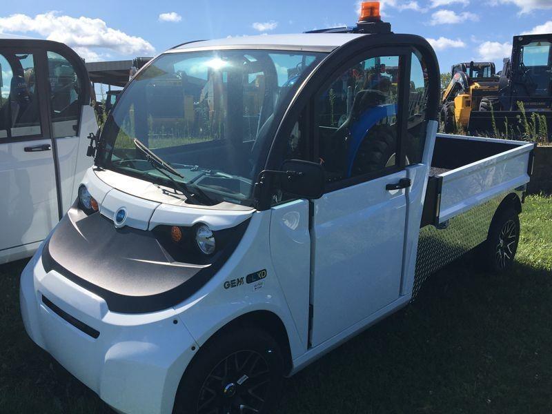 2017 Polaris GEM EL XD ATVs and Utility Vehicle