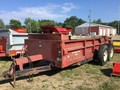 International 595 Manure Spreader