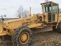 1980 Deere 672A Compacting and Paving