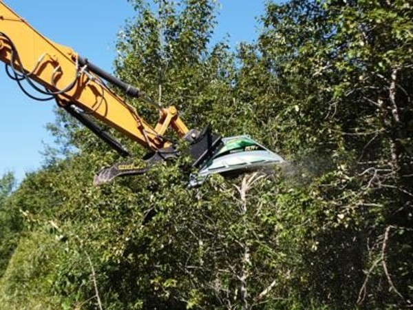 BaumaLight CX372 Loader and Skid Steer Attachment