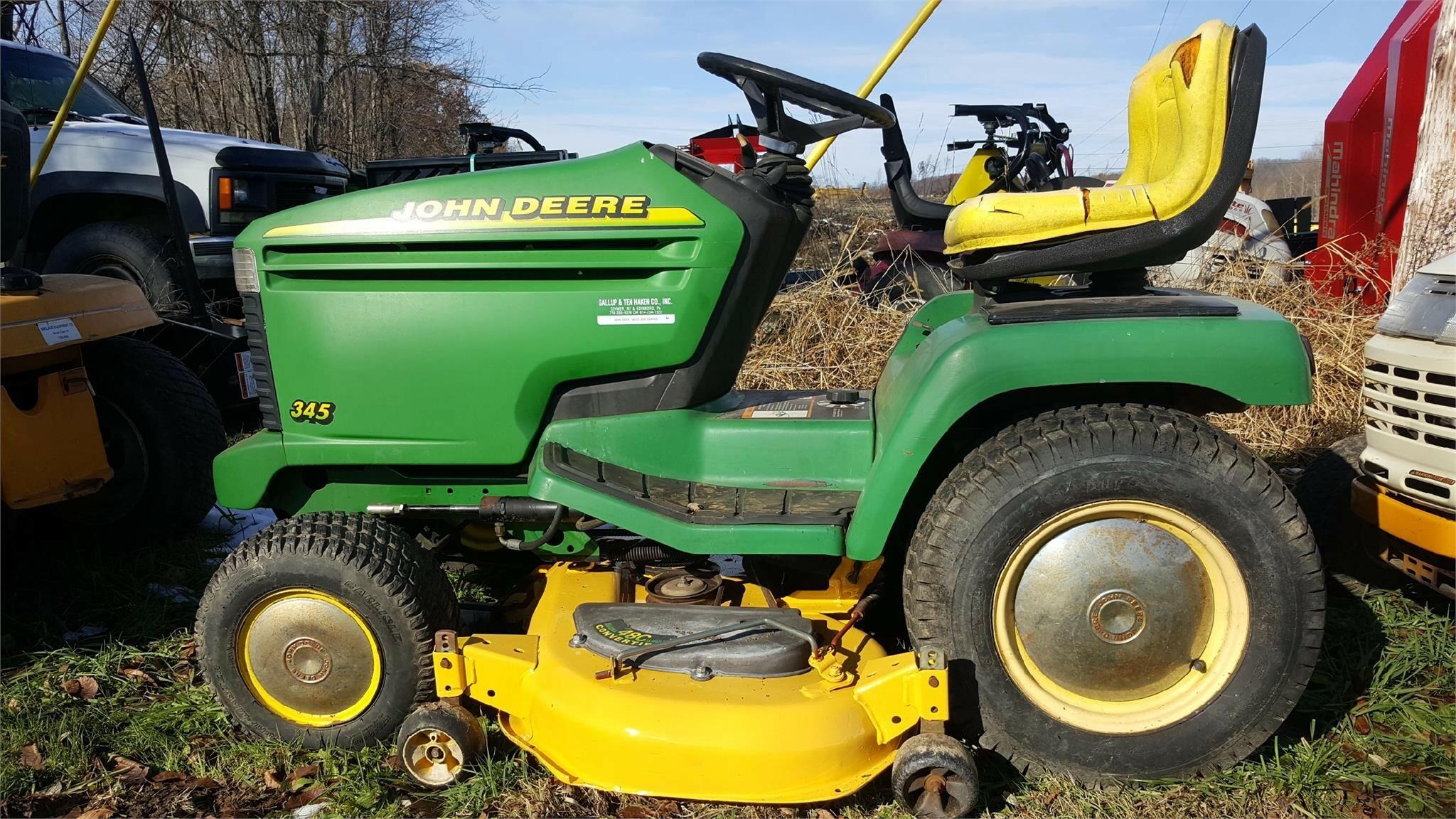 John Deere 345 Lawn and Garden