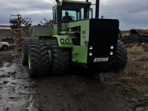 1977 Steiger Tiger III ST450 Tractor