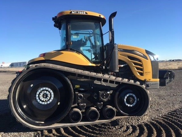 2015 Challenger MT755E Tractor