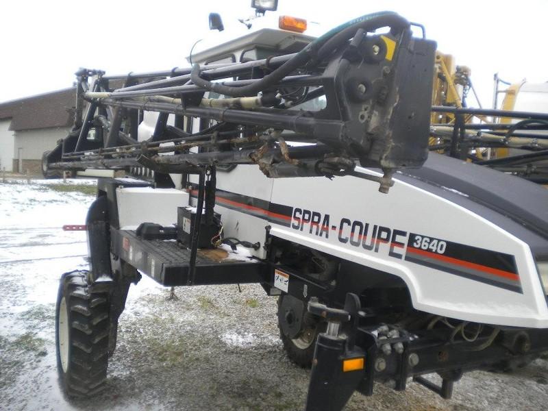 2002 Spra-Coupe 3640 Self-Propelled Sprayer
