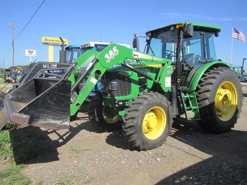 2010 John Deere 6115D Tractor