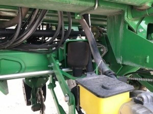 2011 John Deere 1790 Planter