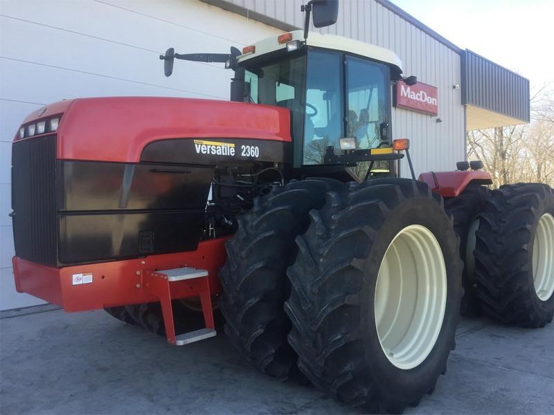 2005 Versatile 2360 Tractor
