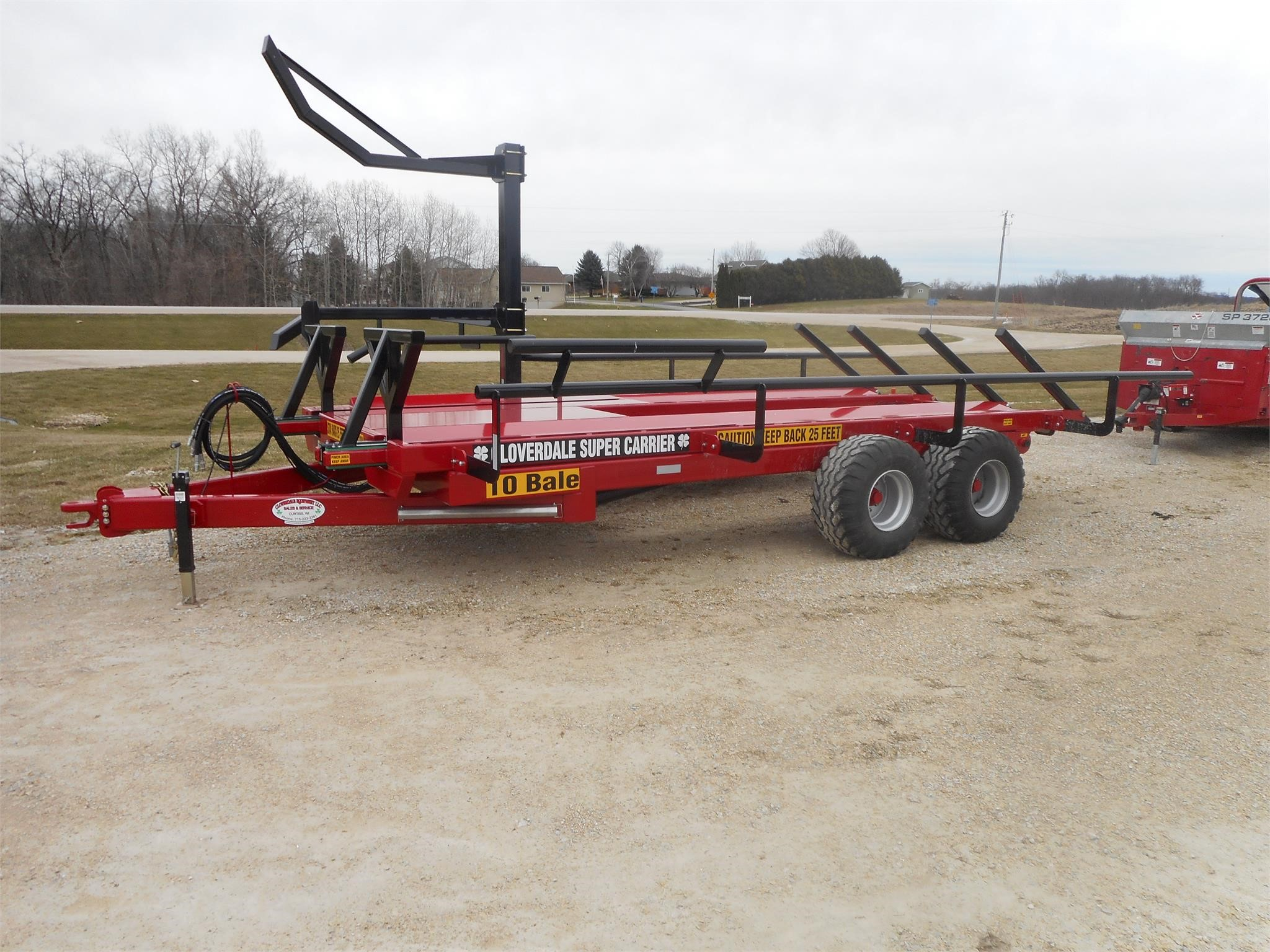 2019 Cloverdale Super Carrier 10 Bale Wagons and Trailer