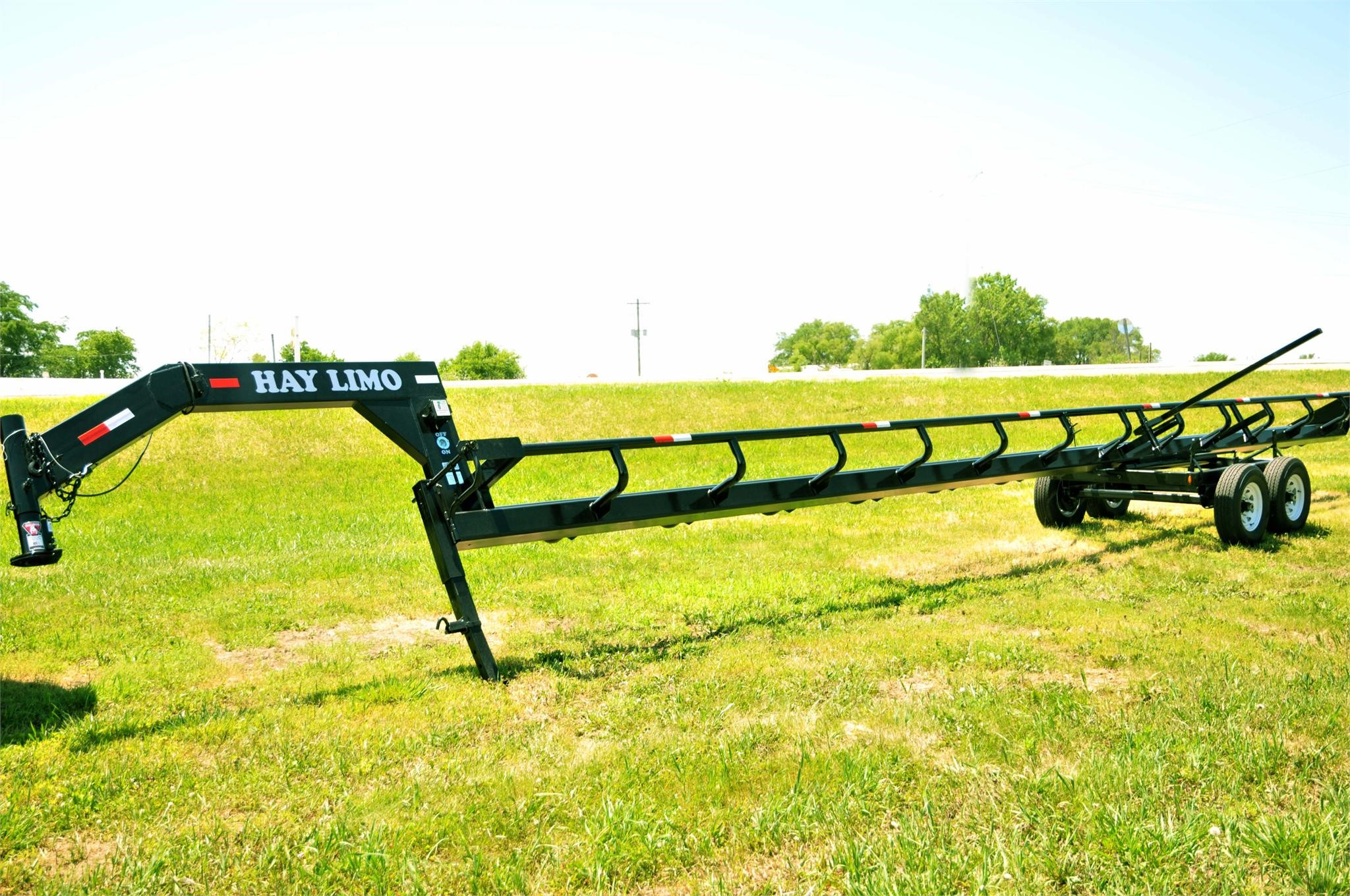 2020 WELDING INNOVATIONS 5BM Bale Wagons and Trailer