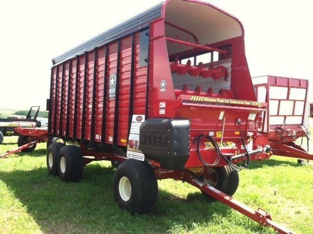 2020 Meyer 4620 Forage Wagon