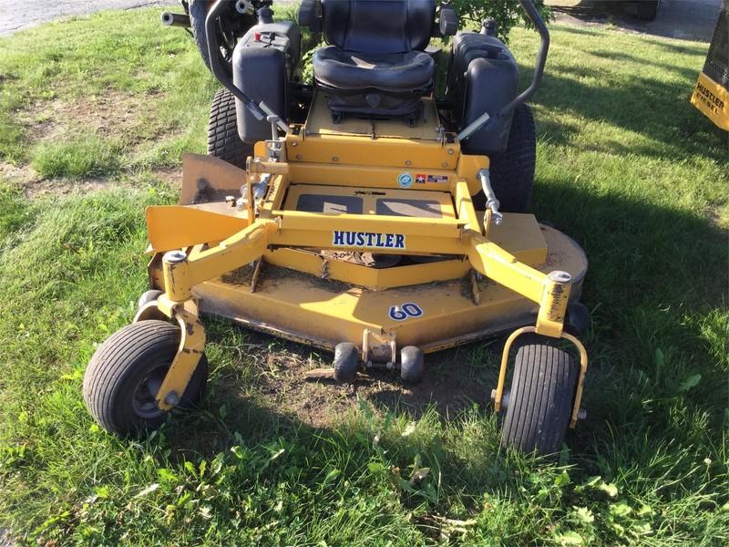 2001 Hustler Super Z 60 Lawn and Garden