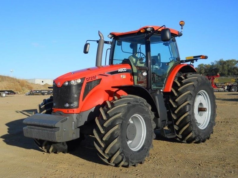 2009 AGCO DT250B Tractor