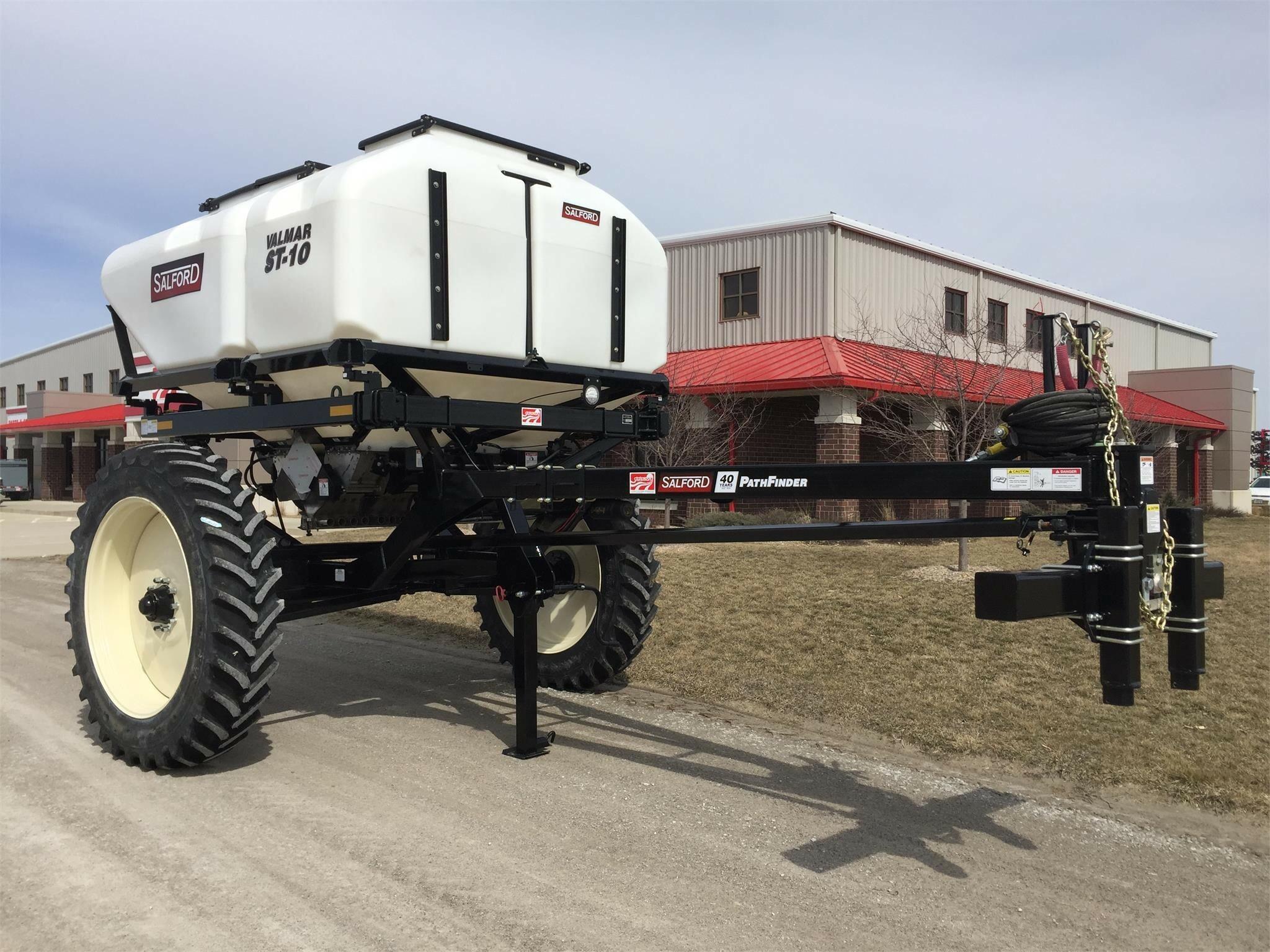 2020 Valmar ST10 Pull-Type Fertilizer Spreader