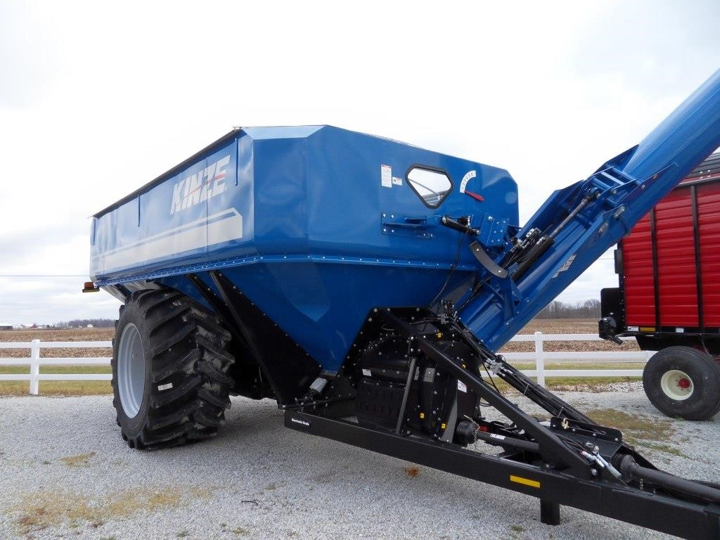 Kinze 1100 Grain Cart