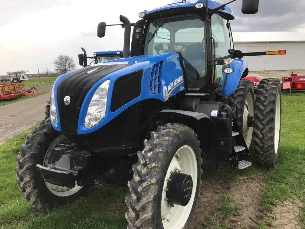 New Holland T8.275 Tractor