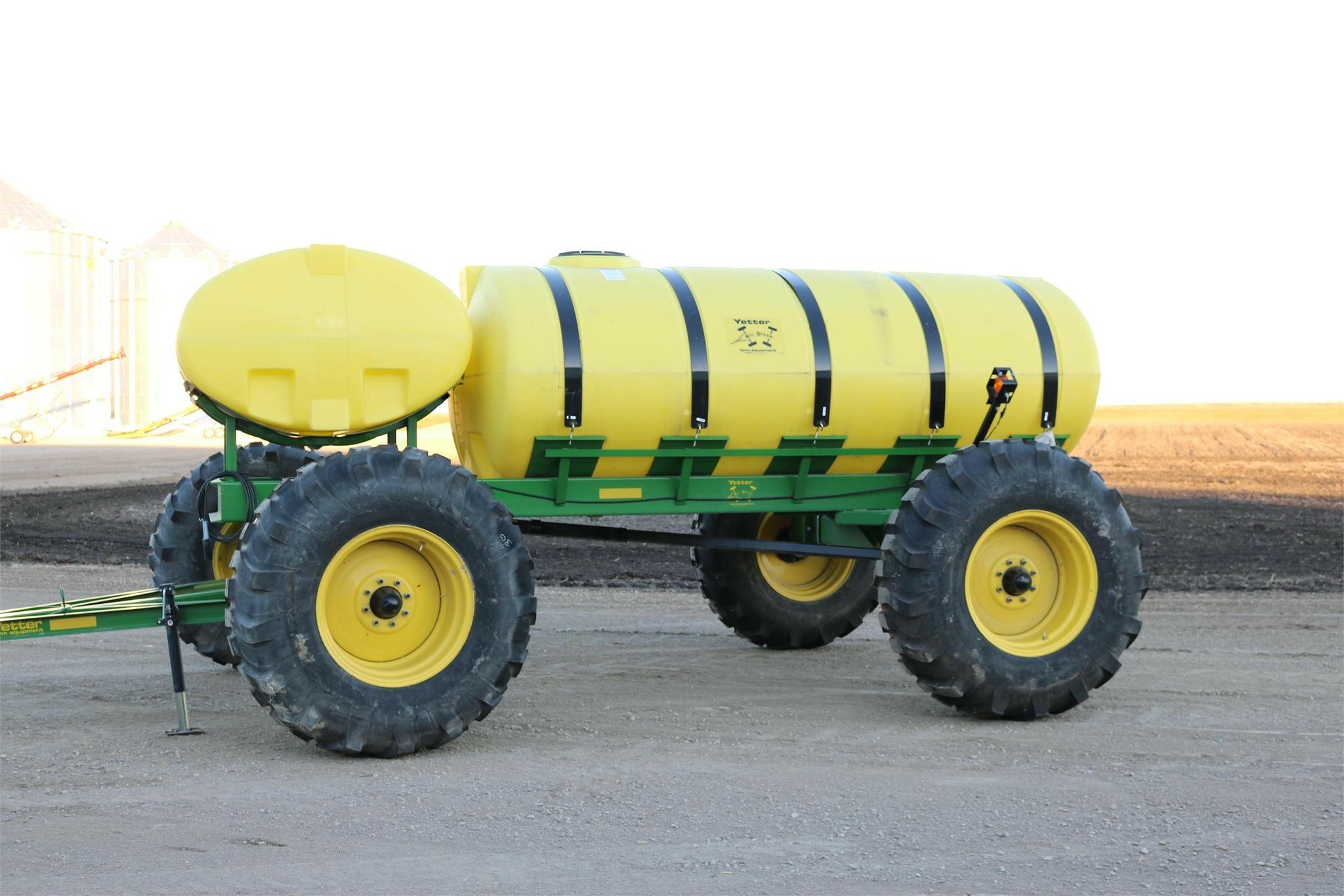2020 Yetter 2000-015 Tank