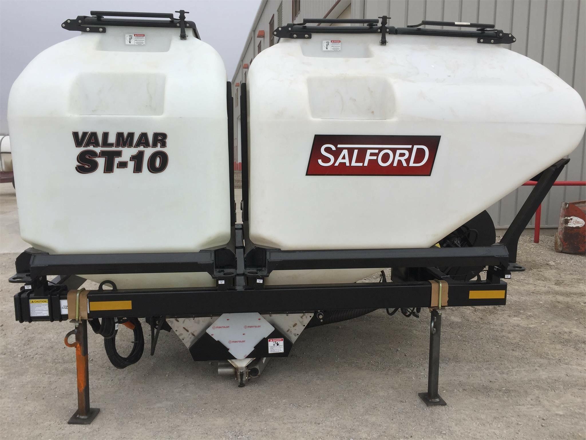 2021 Valmar ST10 Pull-Type Fertilizer Spreader