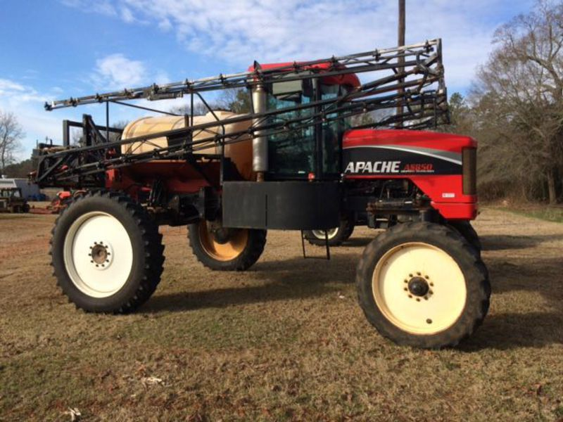 2005 Apache AS850 Self-Propelled Sprayer