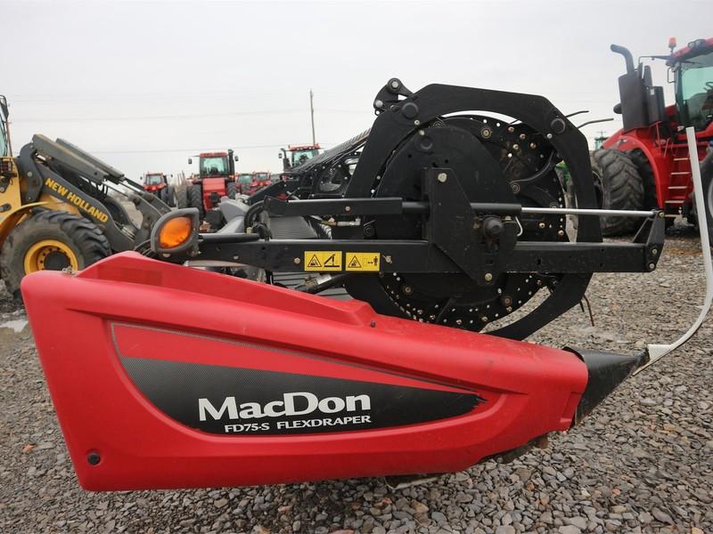 2015 MacDon FD75D Platform