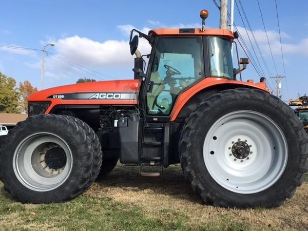2005 AGCO DT220A Tractor