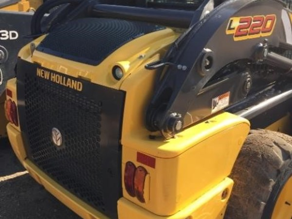 2015 New Holland L220 Skid Steer