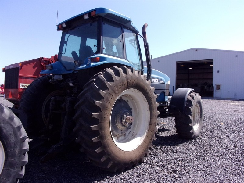 1993 Ford 8970 Tractor