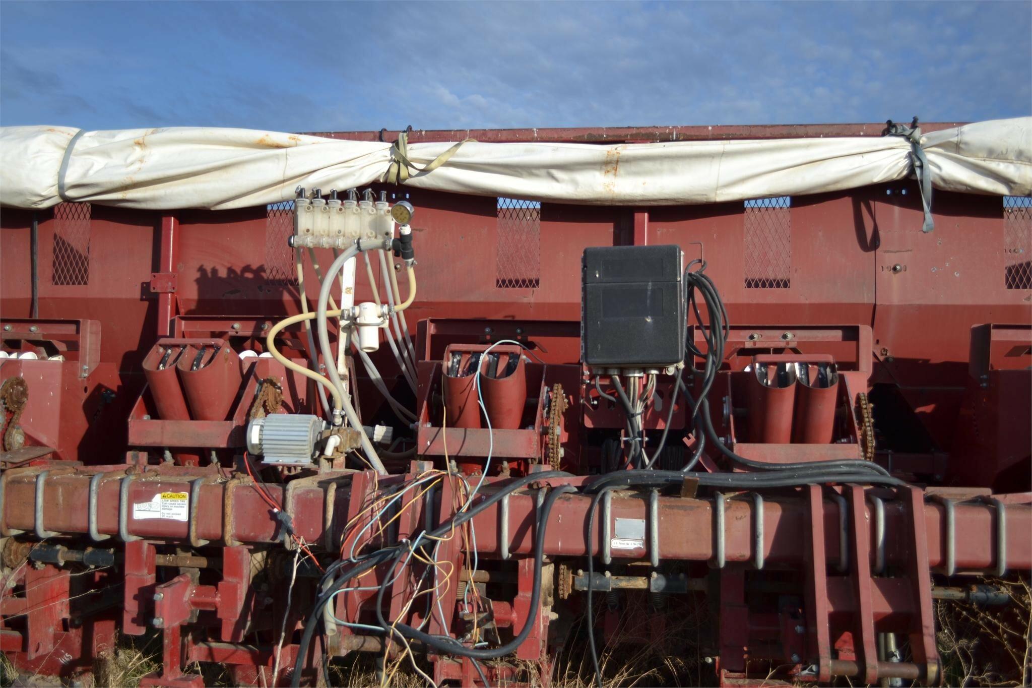 2003 Spudnik 8600 Potato Equipment