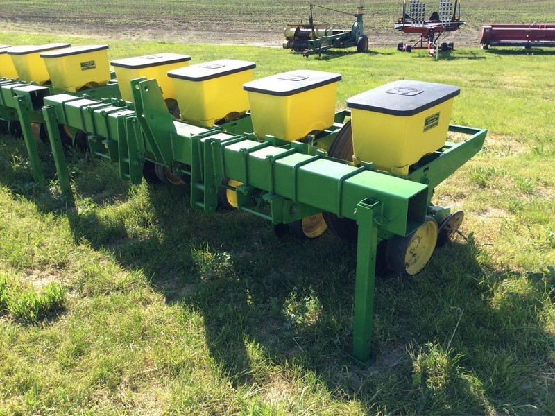 2019 John Deere 7100 Planter