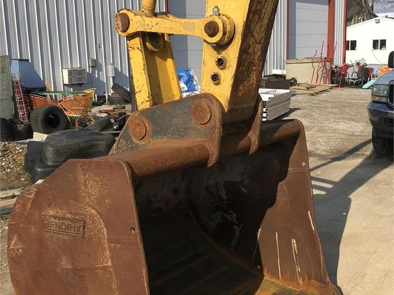2001 Komatsu PC228US-3 Excavators and Mini Excavator