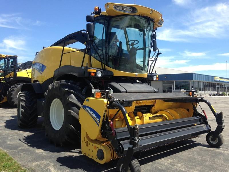 2013 New Holland FR600 Self-Propelled Forage Harvester