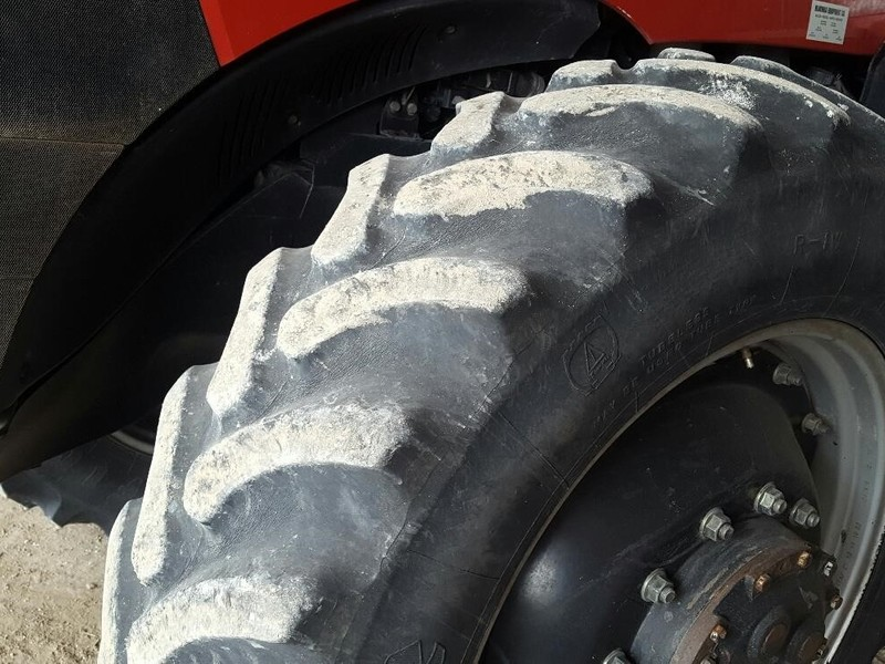 2011 Case IH Magnum 225 CVT Tractor