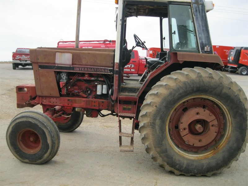 Used International Harvester Tractors 100-174 HP for Sale