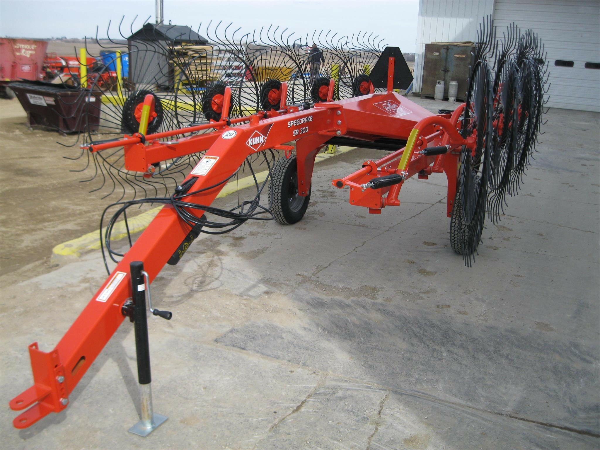 Kuhn SR310 Rake