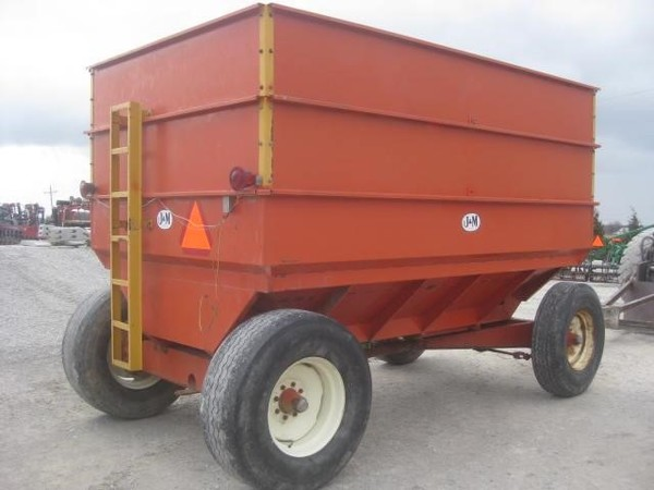 J&M 450 Grain Cart