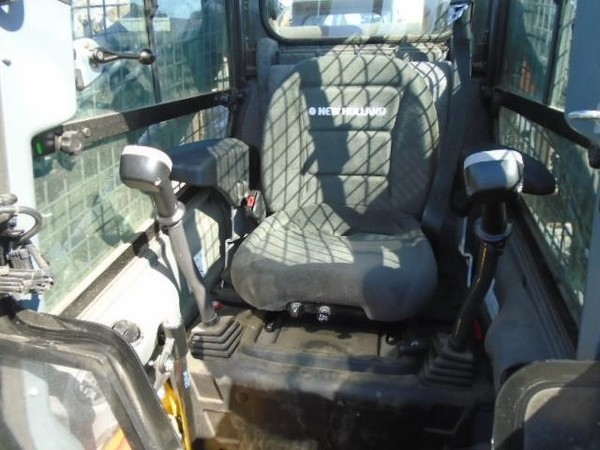 2014 New Holland C238 Skid Steer