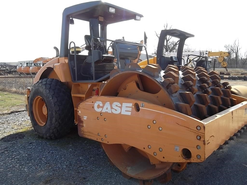 2008 Case SV212 Compacting and Paving